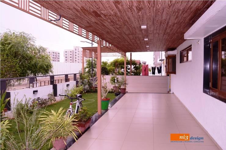Balconies, verandas & terraces  by ni3design