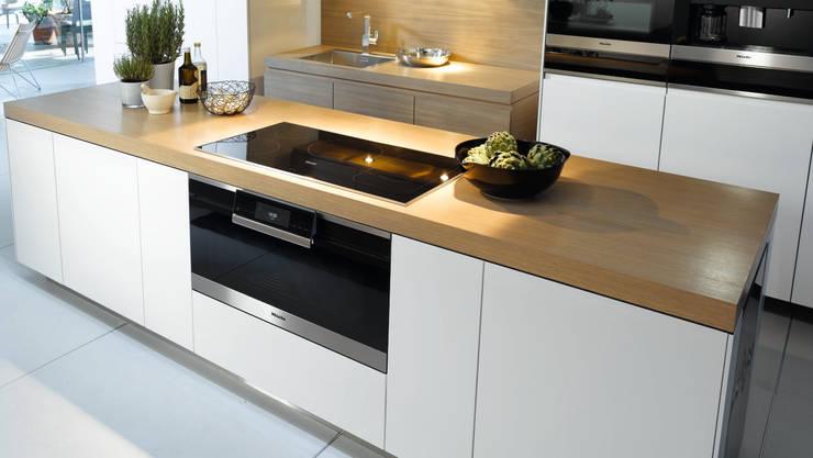 Miele H6890BP Oven:  Kitchen by Hehku
