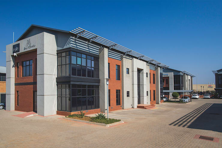 73 Regency Road, Centrurion:  Commercial Spaces by Swart & Associates Architects, Modern