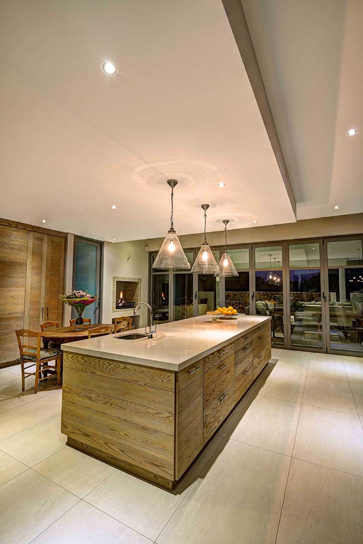 House Auriga:  Kitchen by Swart & Associates Architects
