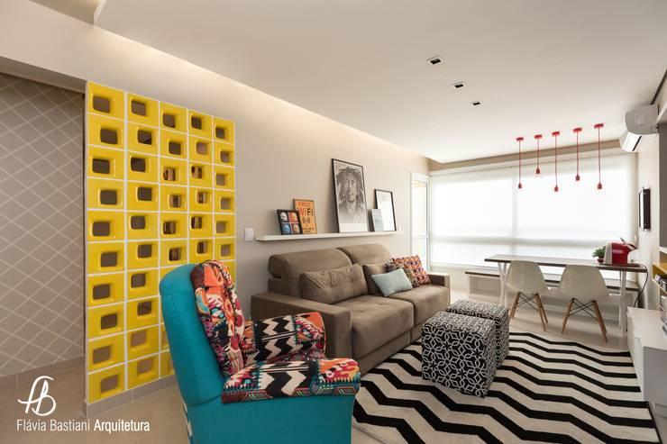 Living room by Flávia Bastiani Arquitetura