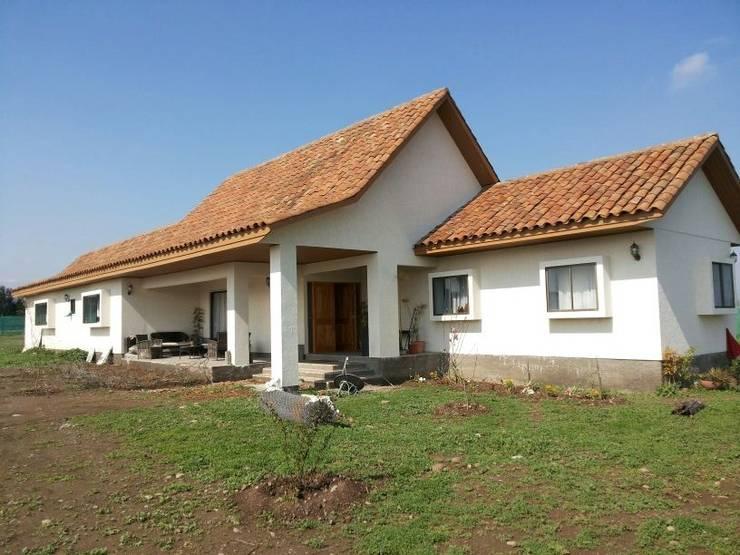 Casa Diaz : Casas de estilo  por Toledo estudio Arquitectos