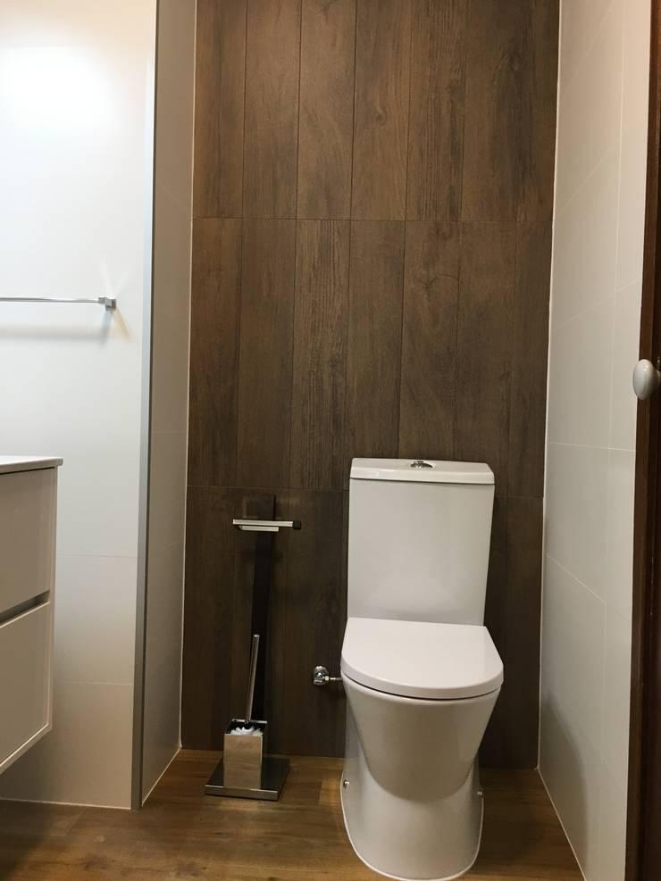 Obra Casa Branca: Casas de banho  por Obras & Detalhes, Engenharia e Construção,