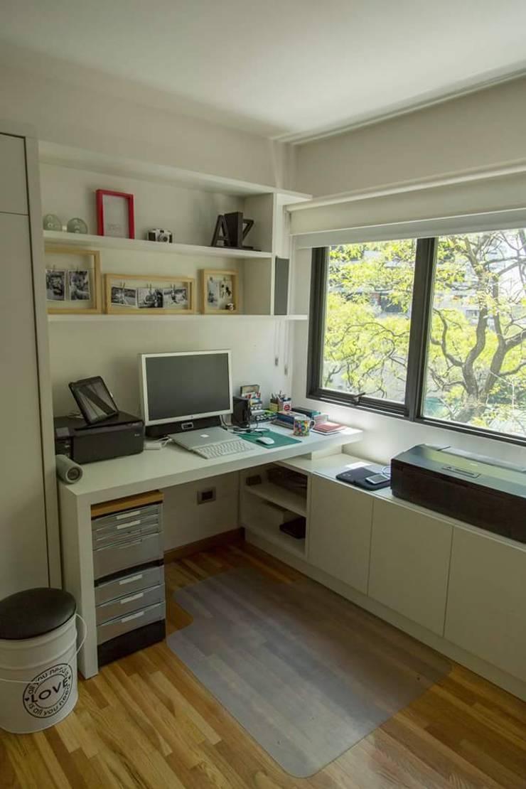 Home-office escritorio: Estudio de estilo  por MINBAI,