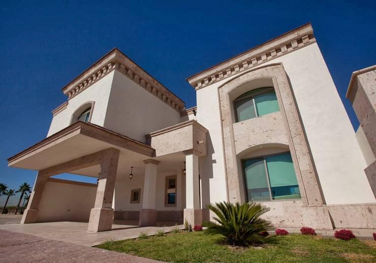 Fabricantes de Cantera: Casas de estilo colonial por Canteras Villa Miranda