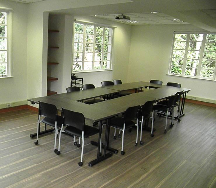 FEDESARROLLO: Oficinas y Tiendas de estilo  por bdl concept/studio