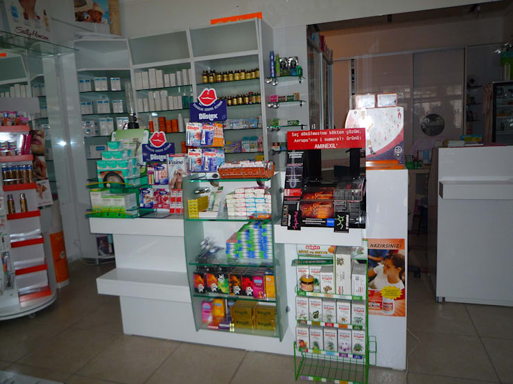 Majestik Mutfak & Mobilya – ozan eczanesi:  tarz Klinikler, Modern Orta Yoğunlukta Lifli Levha