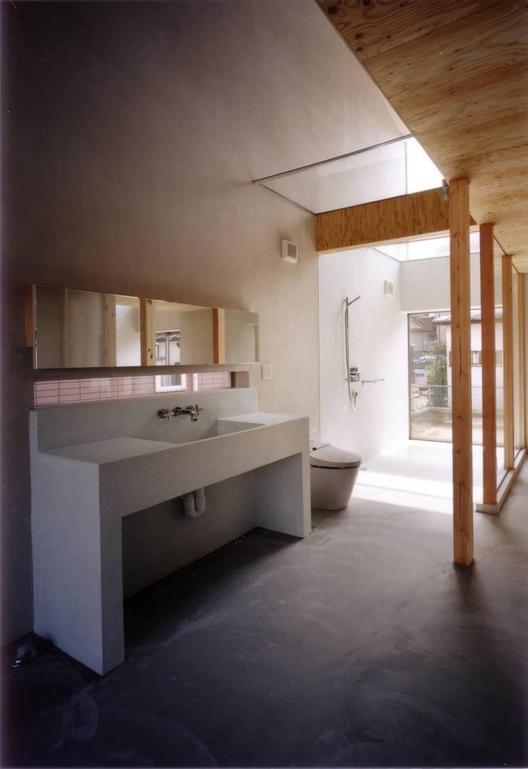洗面・トイレ・浴室をを見る モダンスタイルの お風呂 の 豊田空間デザイン室 一級建築士事務所 モダン 石