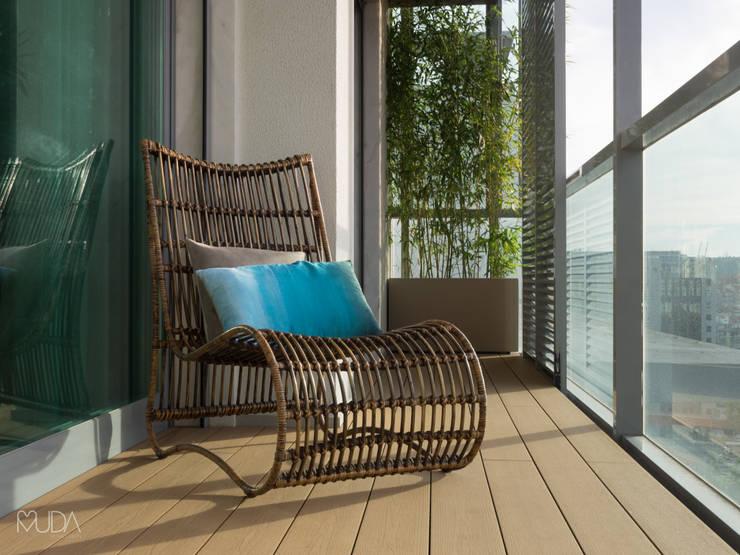 بلكونة أو شرفة تنفيذ MUDA Home Design