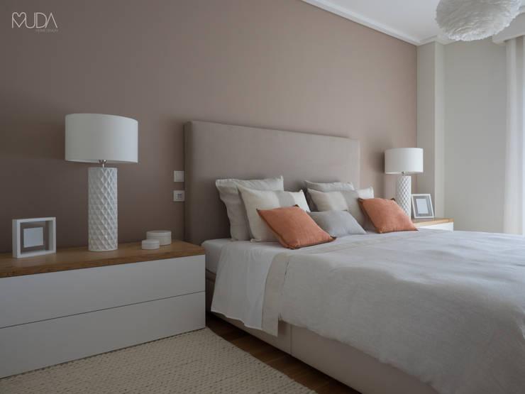Recámaras de estilo  por MUDA Home Design