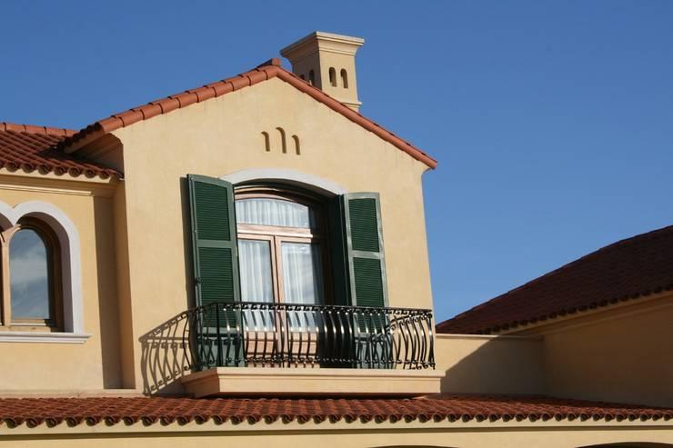 Casa en La Colina – Open Door – Pcia de Buenos Aires: Casas de estilo  por Rocha & Figueroa Bunge arquitectos