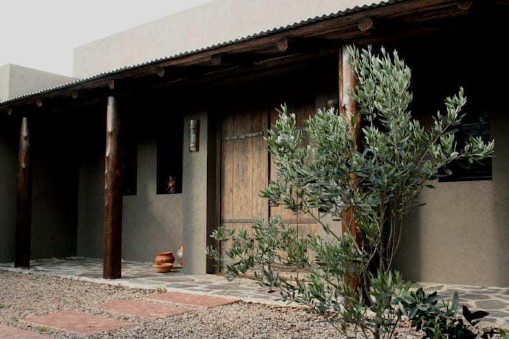 Casa en Manzanares – Pcia de Buenos Aires: Casas de estilo  por Rocha & Figueroa Bunge arquitectos,