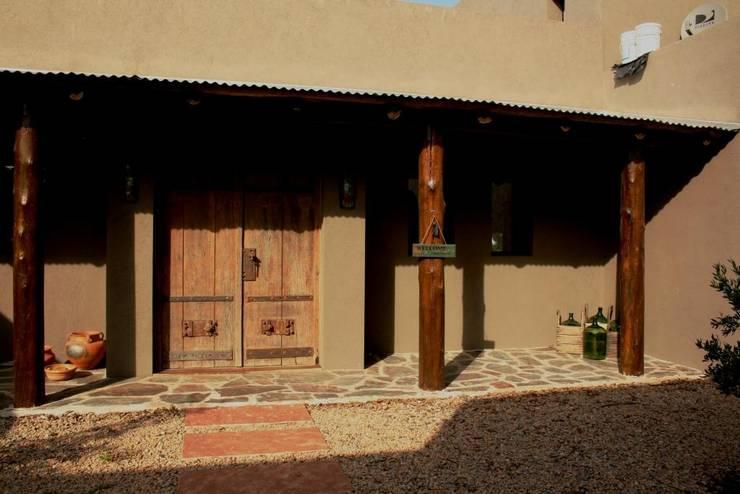 Casa en Manzanares - Pcia de Buenos Aires: Casas de estilo  por Rocha & Figueroa Bunge arquitectos,