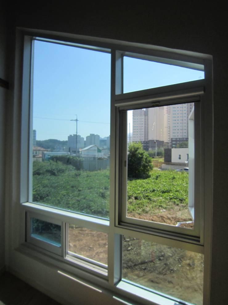 사동 60: DA건축사사무소(Architects DA)의  창문,모던