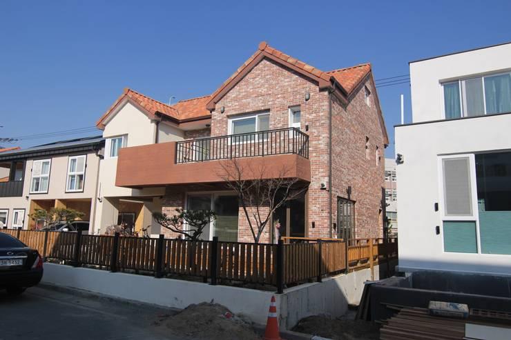 사동 336: DA건축사사무소(Architects DA)의  주택,