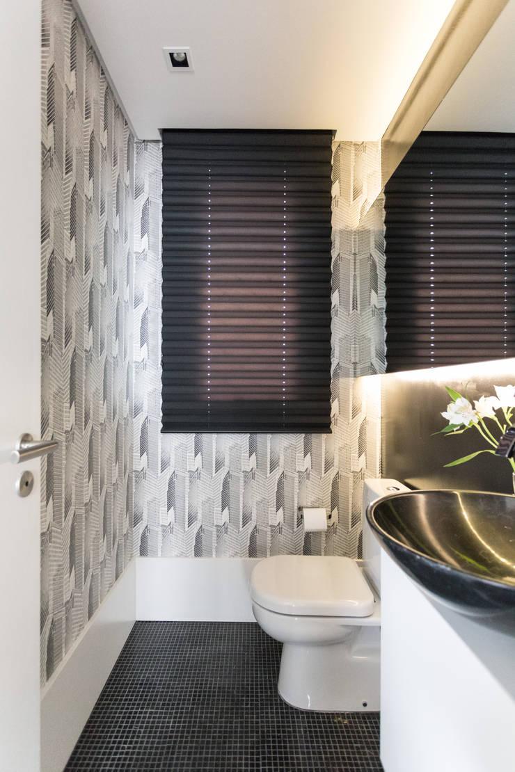 LAVABOS: Banheiros  por Pura!Arquitetura
