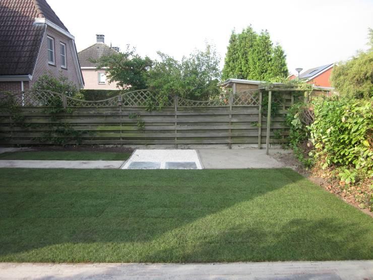 renovatie achtertuin:  Tuin door GroenerGras Hoveniers