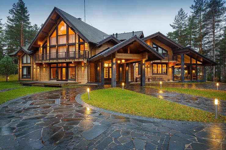 """Загородный дом в посёлке """"HONKA"""" на Медном озере, 450 м.кв. :  в . Автор – FullHouseDesign"""