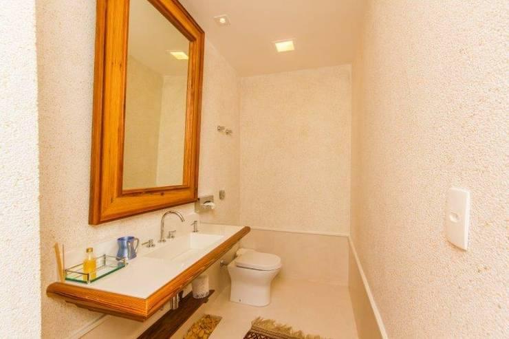 浴室 by Tammaro Arquitetura e Engenharia