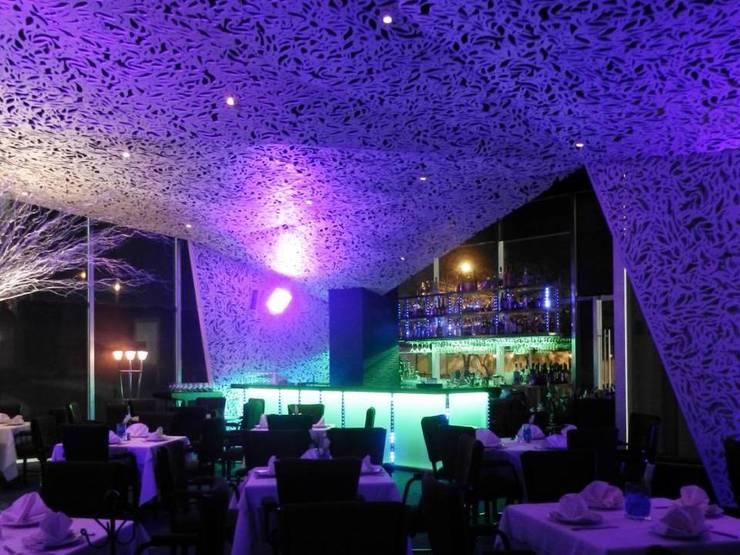 Barra, Bar de Servicio:  de estilo  por ALBUERNE ARQUITECTOS