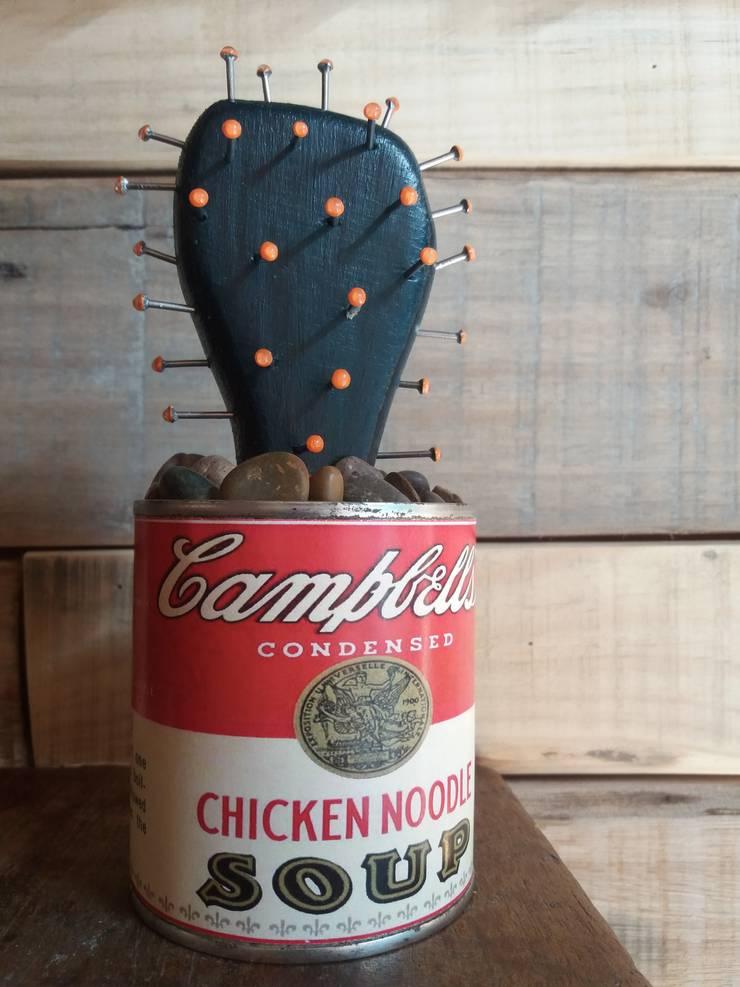 Cactus Campbell's: Hogar de estilo  por Madre Tierra-Diseños  del  Alma  ,