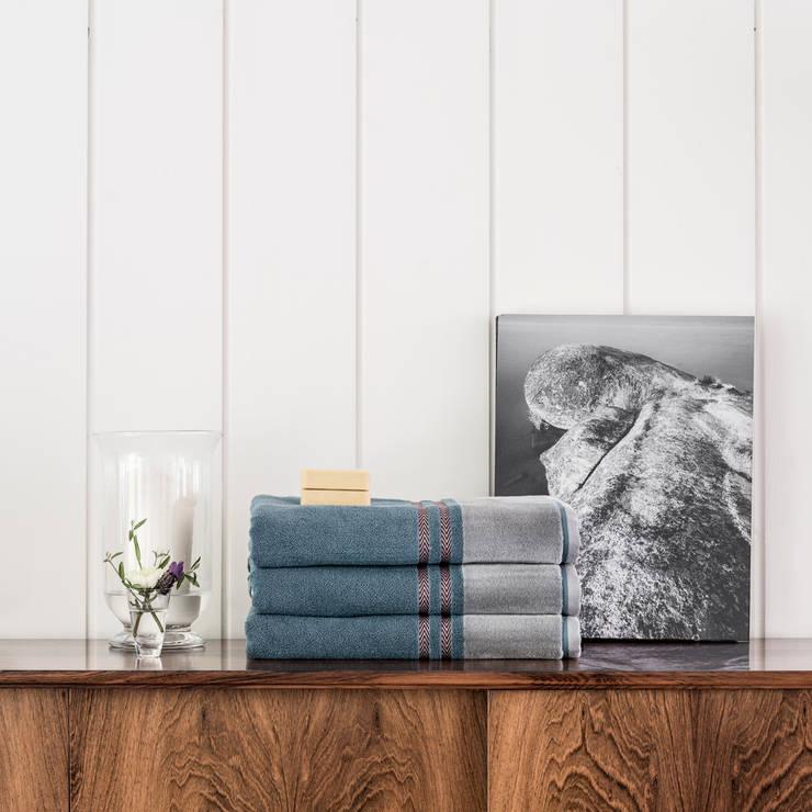 Dew: Casa de banho  por Home Concept,
