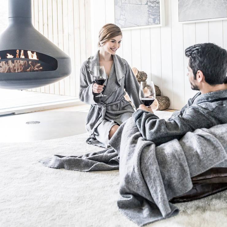 White on Black: Quarto  por Home Concept,