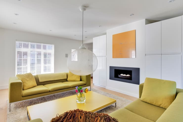 Private Residential Refurbishment, Kent:  Living room by STUDIO 9010