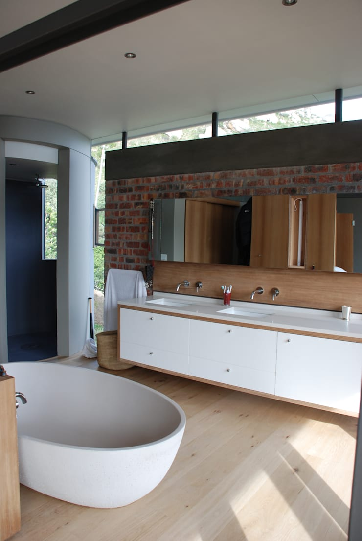 New Private Home in Llandudno:  Bathroom by Gallagher Lourens Architects, Modern