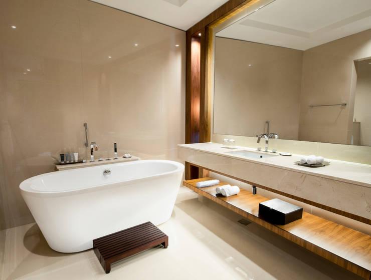 حمام تنفيذ Gracious Luxury Interiors