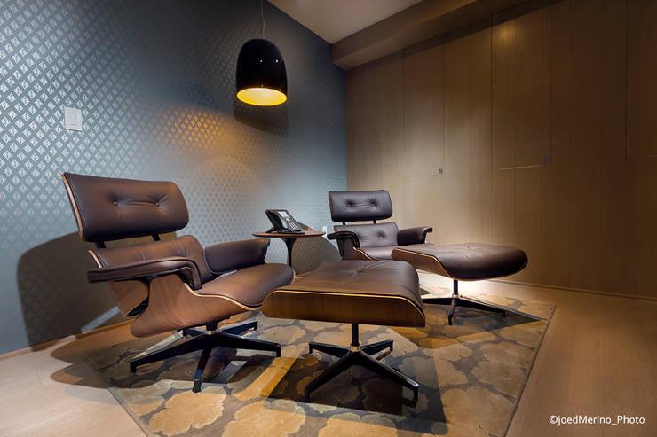 Portafolio Fotografía de Arquitectura & DI: Estudios y oficinas de estilo  por Kroma Photo