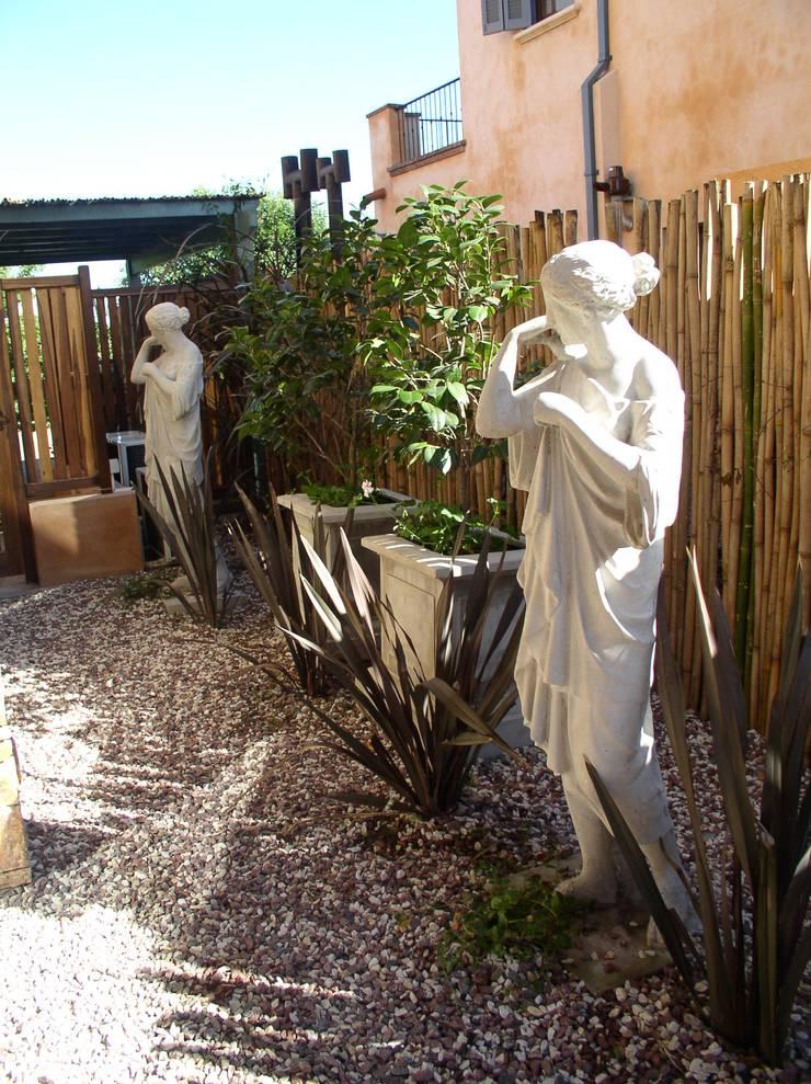 CASA EN RINCON DE MILBERG – TIGRE: Jardines de estilo  por Rocha & Figueroa Bunge arquitectos