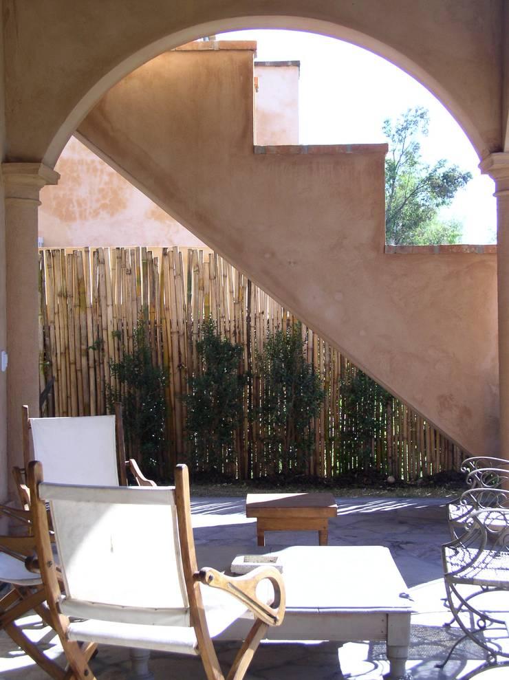 CASA EN RINCON DE MILBERG – TIGRE: Casas de estilo  por Rocha & Figueroa Bunge arquitectos