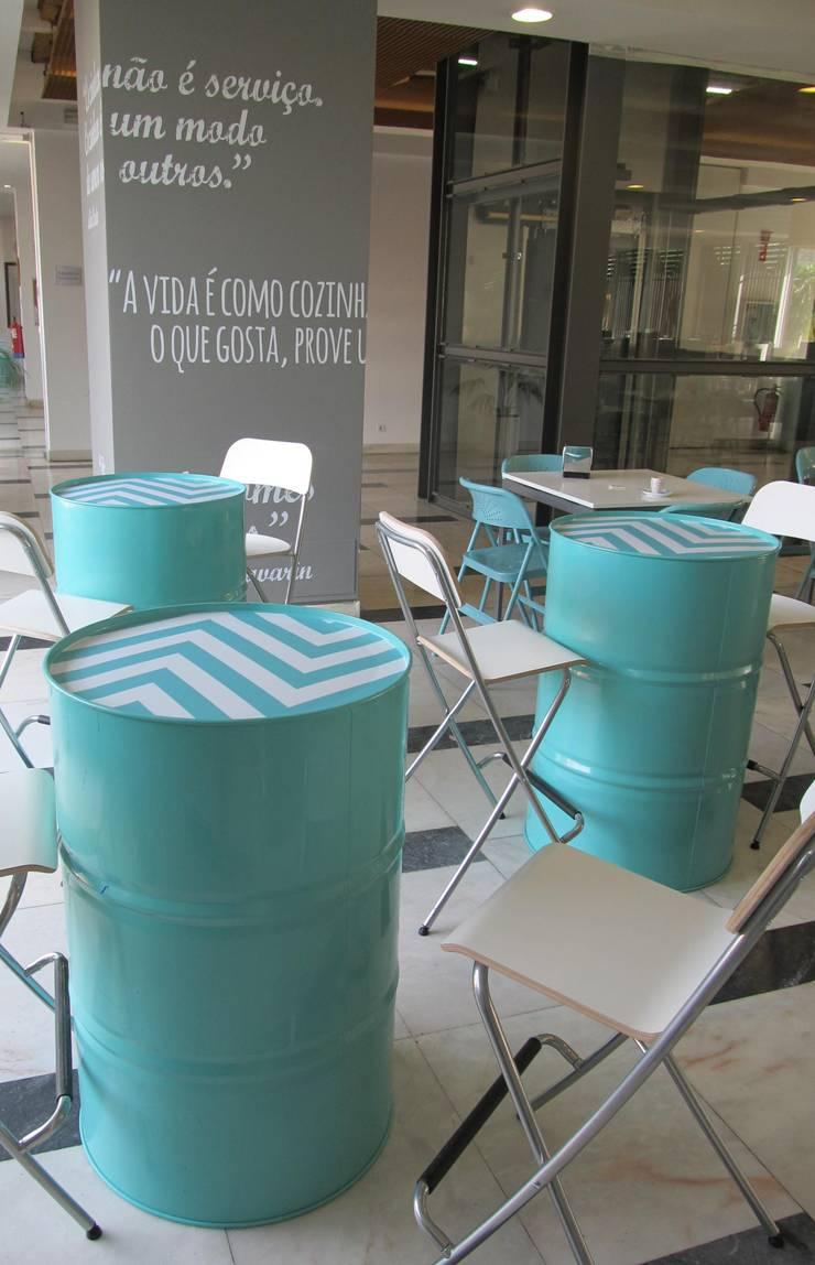 Restaurante Ginásio Clube Português: Salas de jantar  por MARIA ILHARCO DE MOURA ARQUITETURA DE INTERIORES E DECORAÇÃO,
