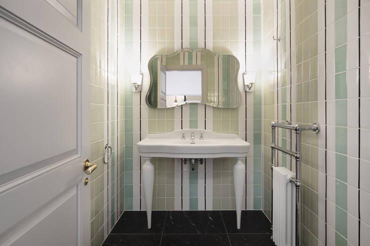 Phòng tắm by Devon&Devon UK