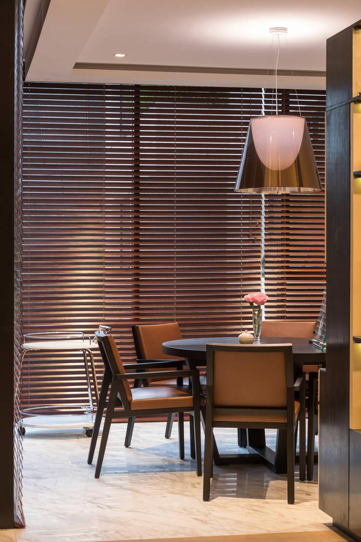 Ruang Keluarga oleh ARCO Arquitectura Contemporánea , Klasik