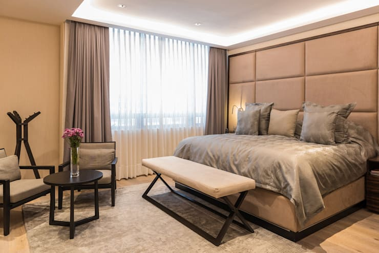 Dormitorios de estilo clásico por ARCO Arquitectura Contemporánea
