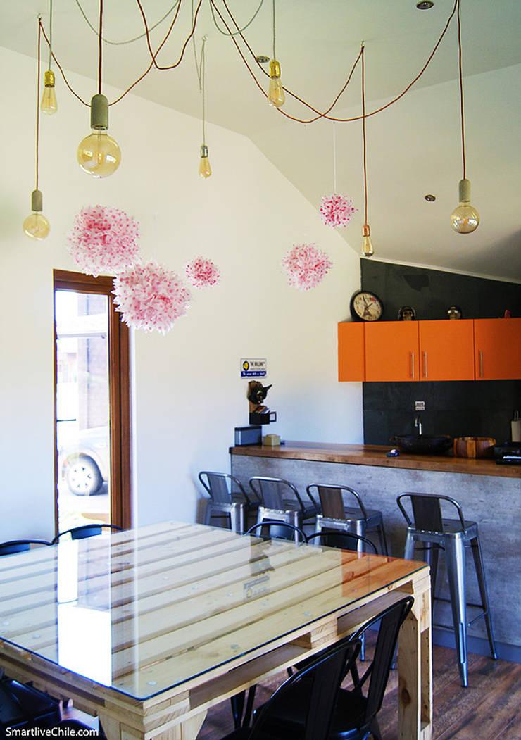 Comedor quincho: Cocinas de estilo moderno por Smartlive Studio