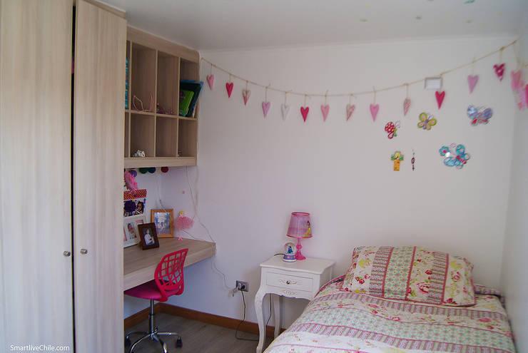 Dormitorio : Dormitorios infantiles de estilo  por Smartlive Studio