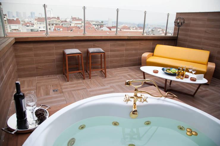 Hiên, sân thượng by 50GR Mimarlık
