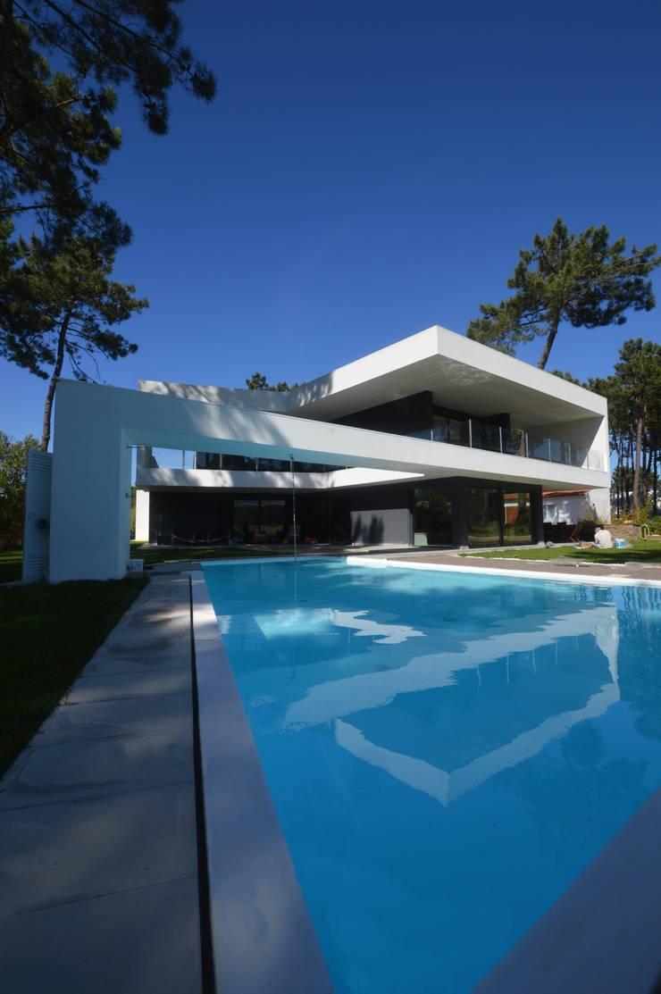 Aroeira 501:   por Arquitecto Telmo