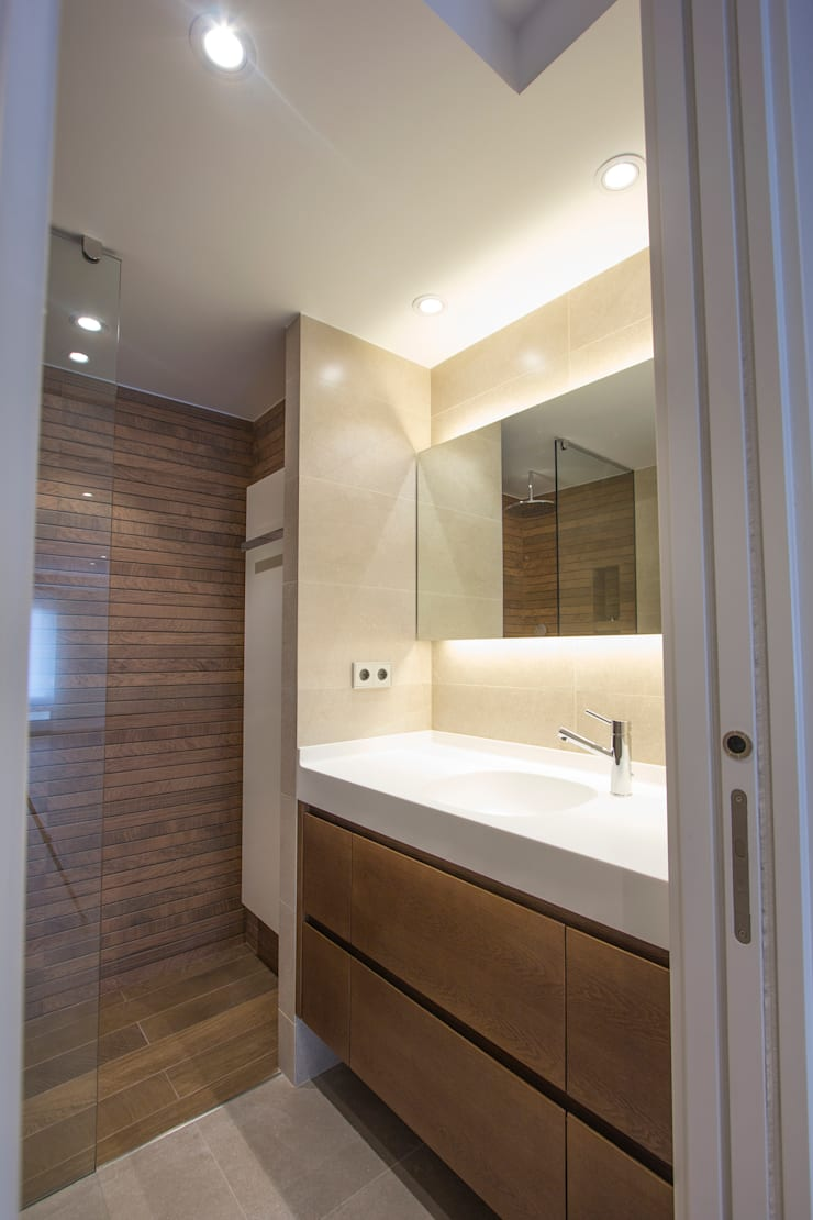 Aseo de día: Baños de estilo  de Bocetto Interiorismo y Construcción,