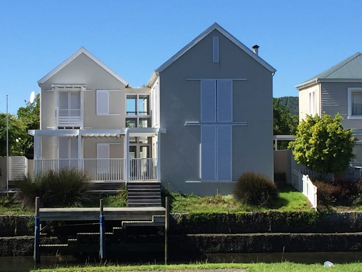 HOLIDAY HOME KNYSNA:  Houses by Gallagher Lourens Architects