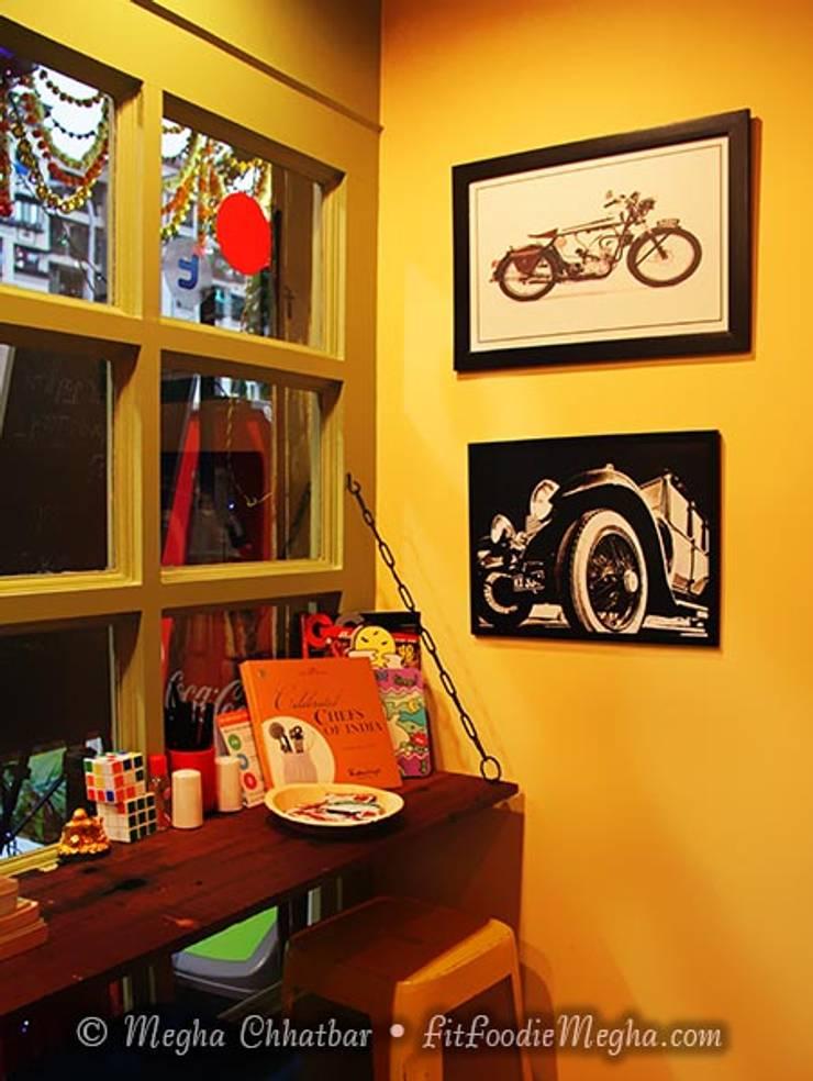 Just Bingg'e :  Dressing room by Shweta Deshmukh & Associates,Eclectic
