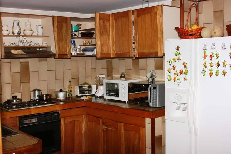 ANTES: Cocinas de estilo  por bdl concept/studio
