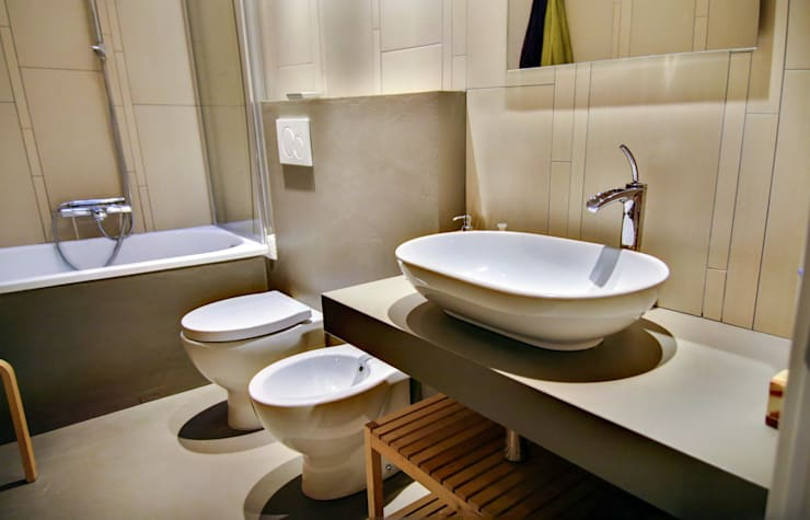 Casa Allegri: Bagno in stile  di ikare