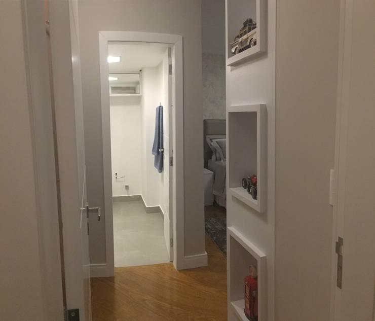 Projekty,  Sypialnia zaprojektowane przez KOSH Arquitetura & Interiores