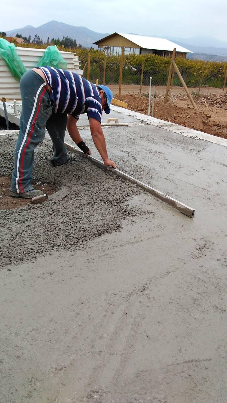 Construcción casa panel sip:  de estilo  por Home construction