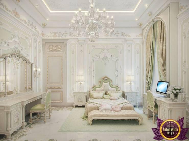 Master bedroom design ideas of Katrina Antonovich:  Bedroom by Luxury Antonovich Design