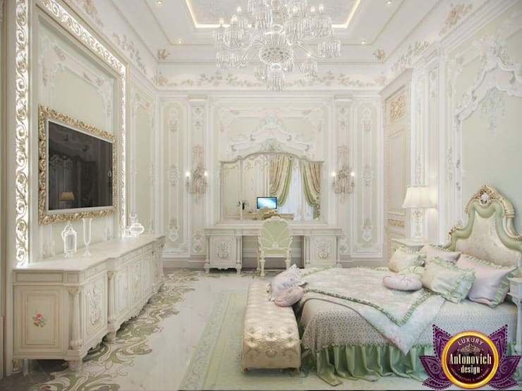 Master bedroom design ideas of Katrina Antonovich: classic Bedroom by Luxury Antonovich Design